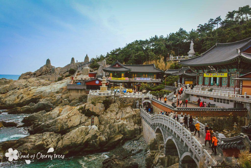 Le célèbre temple Haedong Yonguksa de Busan, temple en bord de mer